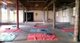 CONCRETE urban yoga in de stad