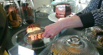 Theehuis Bloem: jummy homemade cake